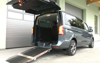 Heckeinsteiger / Absenkfahrzeug Mercedes Benz Vito und V-Klasse…. Umgebaut und erhältlich bei Helm Sonderfahrzeugtechnik