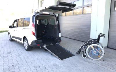 Ford Grand Tourneo Connect …. Absenkfahrzeug mit 5 Sitzplätzen und Rollstuhlplatz und auf Wunsch mit Taxirampe